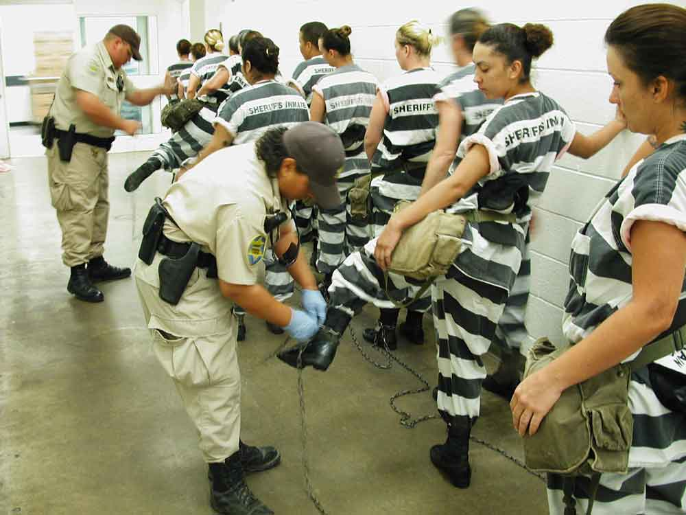 Sheriff Joe Arpaio - Chain Gang for Women